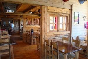 la salle pub du restaurant olympe café les saisies restaurant les saisies