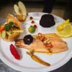 Une assiette de poisson au Restaurant La table de l'Olympe